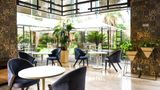 DoubleTree Hilton Gurugram Baani Square Restaurant