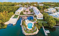 Islander Bayside Hotel