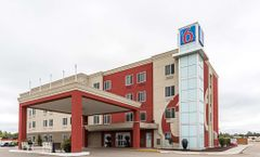 Motel 6 Moosomin