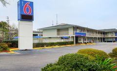 Motel 6 Charleston South