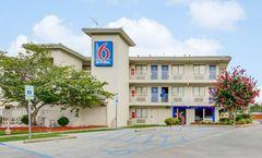 Motel 6 Columbia