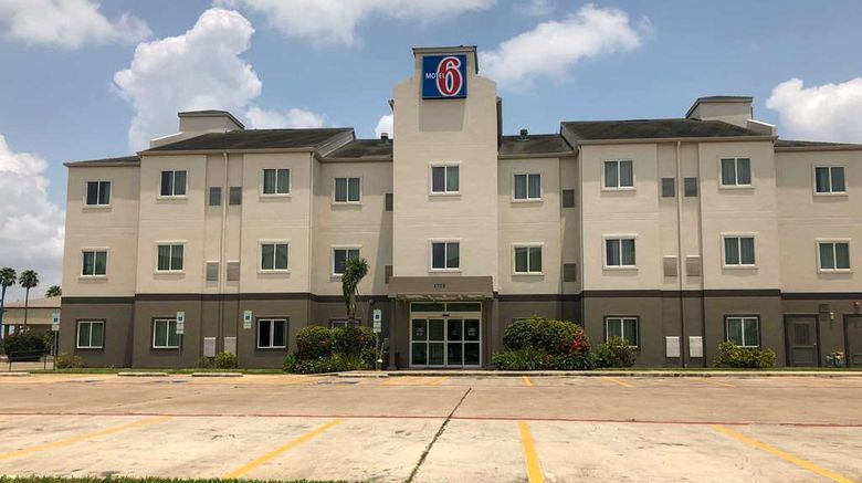 """Motel 6 Pharr Exterior. Images powered by <a href=""""http://web.iceportal.com"""" target=""""_blank"""" rel=""""noopener"""">Ice Portal</a>."""