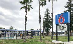 Motel 6 Visalia CA