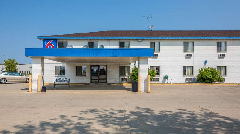 """Motel 6 Fargo-South Exterior. Images powered by <a href=""""http://web.iceportal.com"""" target=""""_blank"""" rel=""""noopener"""">Ice Portal</a>."""
