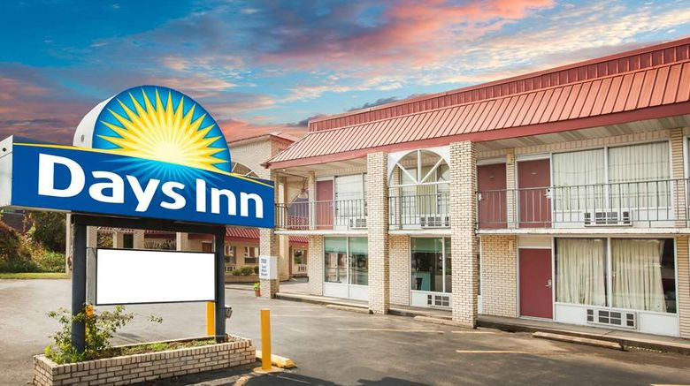 """Days Inn Mountain View Exterior. Images powered by <a href=""""http://web.iceportal.com"""" target=""""_blank"""" rel=""""noopener"""">Ice Portal</a>."""
