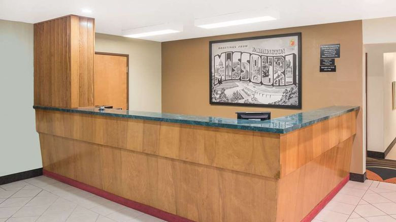 """Super 8 Farmington Lobby. Images powered by <a href=""""http://web.iceportal.com"""" target=""""_blank"""" rel=""""noopener"""">Ice Portal</a>."""