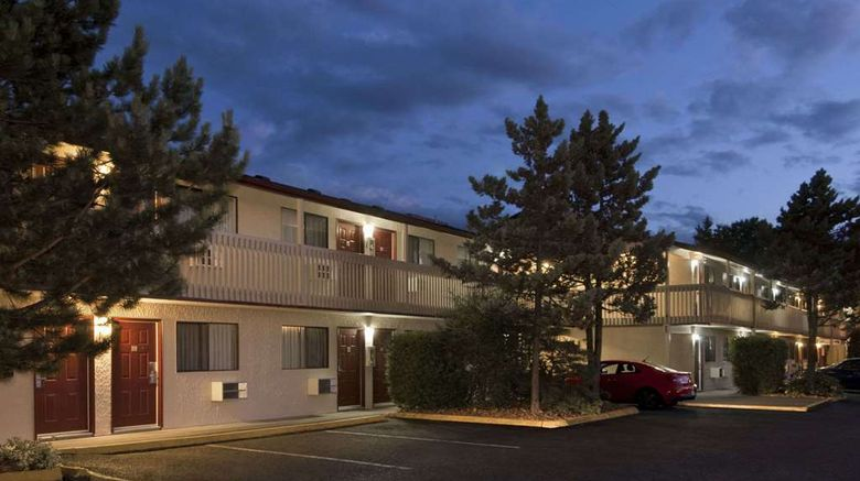"""Travelodge Courtenay Exterior. Images powered by <a href=""""http://web.iceportal.com"""" target=""""_blank"""" rel=""""noopener"""">Ice Portal</a>."""