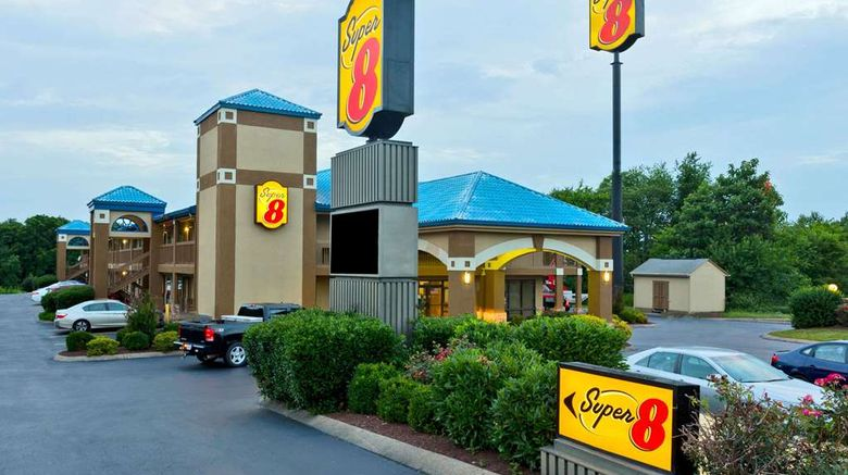 """Super 8 Franklin/Hwy 31 Exterior. Images powered by <a href=""""http://web.iceportal.com"""" target=""""_blank"""" rel=""""noopener"""">Ice Portal</a>."""