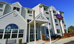 Howard Johnson Inn & Suites O'Hare