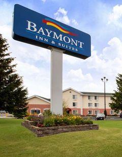 Baymont Inn & Suites Mackinaw City