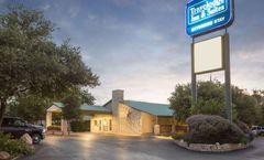 Travelodge Inn/Suites San Antonio Arpt