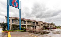 Motel 6 San Antonio Splashtown