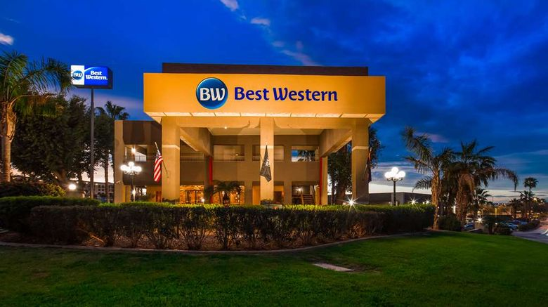 """Best Western InnSuites Yuma Mall Exterior. Images powered by <a href=""""http://web.iceportal.com"""" target=""""_blank"""" rel=""""noopener"""">Ice Portal</a>."""