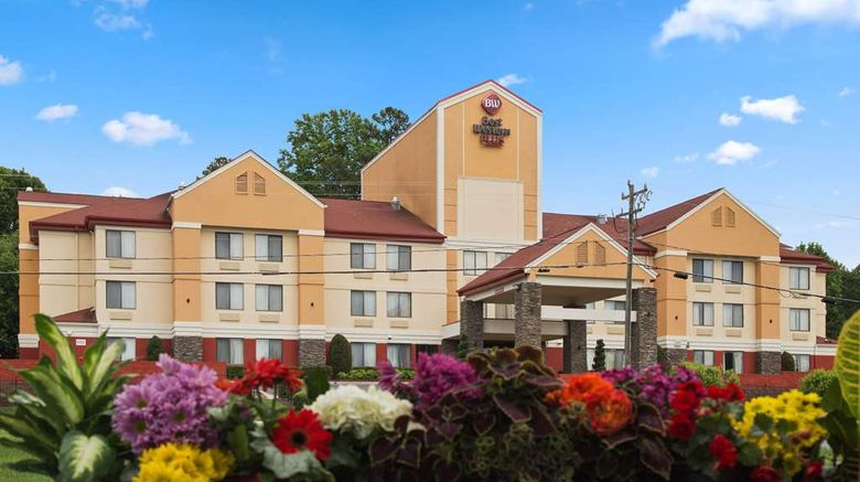 """Best Western Plus Huntersville Inn Suite Exterior. Images powered by <a href=""""http://web.iceportal.com"""" target=""""_blank"""" rel=""""noopener"""">Ice Portal</a>."""