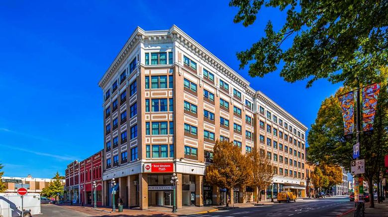 """Best Western Plus Carlton Plaza Hotel Exterior. Images powered by <a href=""""http://web.iceportal.com"""" target=""""_blank"""" rel=""""noopener"""">Ice Portal</a>."""