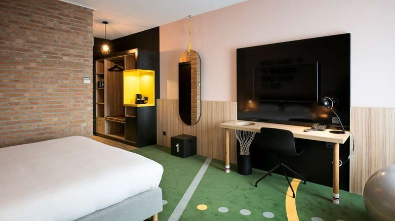 """HUP Hotel Room. Images powered by <a href=""""http://web.iceportal.com"""" target=""""_blank"""" rel=""""noopener"""">Ice Portal</a>."""