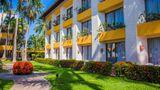 Plaza Pelicanos Club Beach Resort Exterior