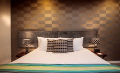 Hotel 115