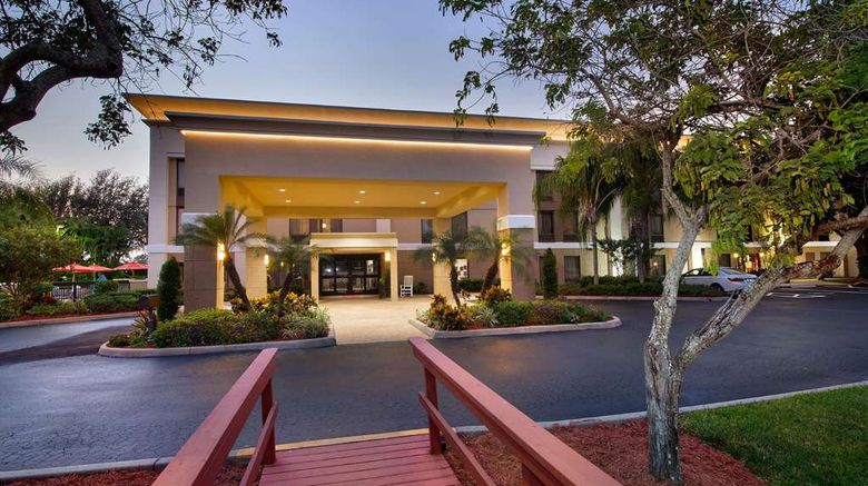 """Hampton Inn Naples I-75 Exterior. Images powered by <a href=""""http://web.iceportal.com"""" target=""""_blank"""" rel=""""noopener"""">Ice Portal</a>."""