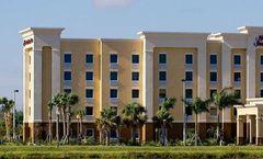 Hampton Inn & Suites Fort Myers-Colonial