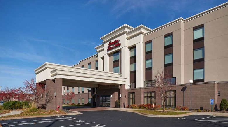 """Hampton Inn  and  Suites Rogers Exterior. Images powered by <a href=""""http://web.iceportal.com"""" target=""""_blank"""" rel=""""noopener"""">Ice Portal</a>."""