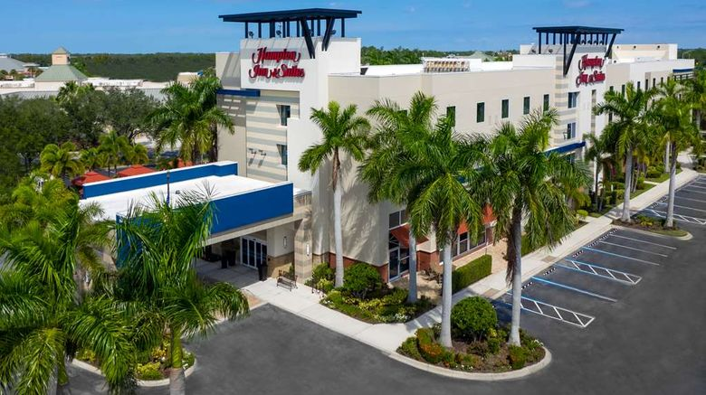 """Hampton Inn  and  Suites Sarasota/Lakewood Exterior. Images powered by <a href=""""http://web.iceportal.com"""" target=""""_blank"""" rel=""""noopener"""">Ice Portal</a>."""