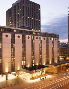 DoubleTree by Hilton Milwaukee Downtown