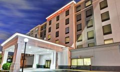 Hampton Inn & Suites Newark Riverwalk