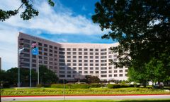Doubletree Hotel at Warren Place
