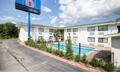 Motel 6 Dallas South