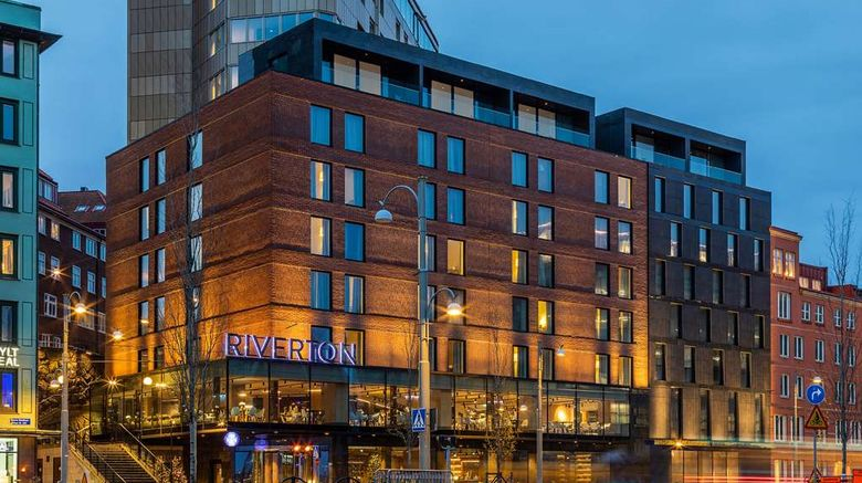 """Hotel Riverton Exterior. Images powered by <a href=""""http://web.iceportal.com"""" target=""""_blank"""" rel=""""noopener"""">Ice Portal</a>."""
