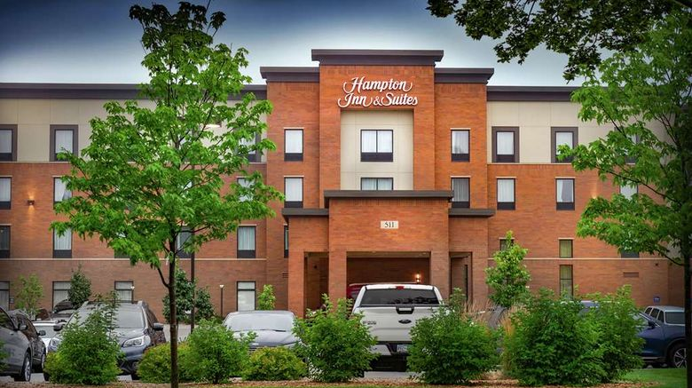 """<b>Hampton Inn & Suites La Crosse Downtown Exterior</b>. Images powered by <a href=""""https://iceportal.shijigroup.com/"""" title=""""IcePortal"""" target=""""_blank"""">IcePortal</a>."""