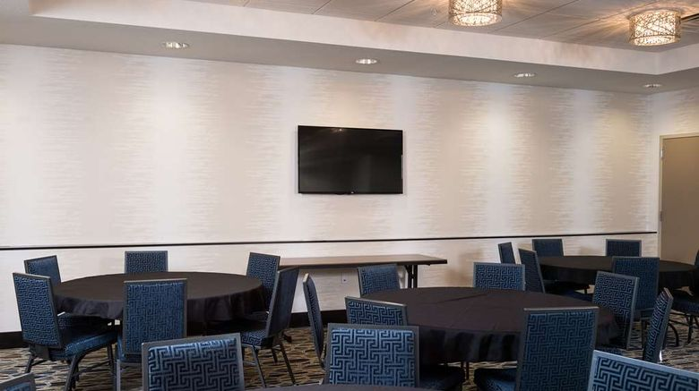 """<b>Hampton Inn & Suites La Crosse Downtown Meeting</b>. Images powered by <a href=""""https://iceportal.shijigroup.com/"""" title=""""IcePortal"""" target=""""_blank"""">IcePortal</a>."""