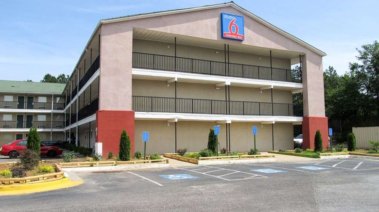 """Motel 6 Augusta-Ft Gordon Exterior. Images powered by <a href=""""http://web.iceportal.com"""" target=""""_blank"""" rel=""""noopener"""">Ice Portal</a>."""