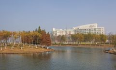 Fairmont Yangcheng Lake hotel