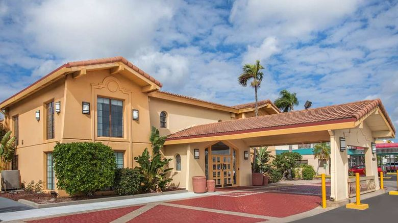 """La Quinta Inn Fort Myers Central Exterior. Images powered by <a href=""""http://web.iceportal.com"""" target=""""_blank"""" rel=""""noopener"""">Ice Portal</a>."""