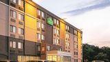 La Quinta Inn & Suites Baltimore North Exterior