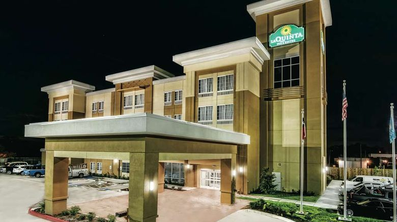 """La Quinta Inn  and  Suites Victoria S Exterior. Images powered by <a href=""""http://web.iceportal.com"""" target=""""_blank"""" rel=""""noopener"""">Ice Portal</a>."""
