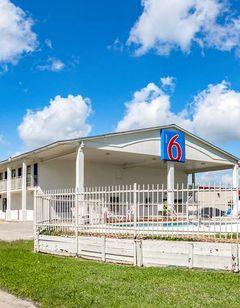 Motel 6 Giddings
