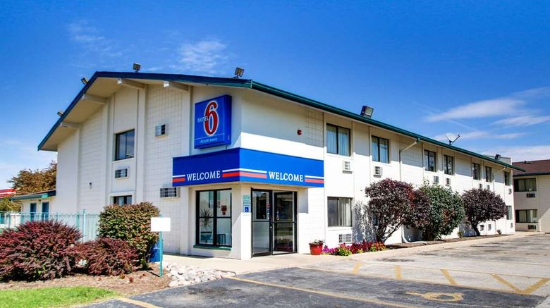 """Motel 6 Normal - Bloomington Area Exterior. Images powered by <a href=""""http://web.iceportal.com"""" target=""""_blank"""" rel=""""noopener"""">Ice Portal</a>."""