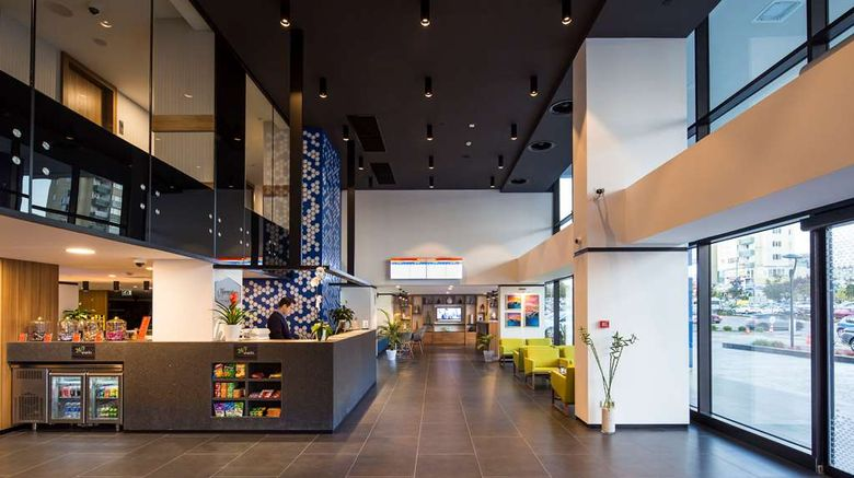"""Hampton by Hilton Istanbul Kurtkoy Lobby. Images powered by <a href=""""http://web.iceportal.com"""" target=""""_blank"""" rel=""""noopener"""">Ice Portal</a>."""