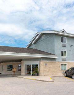 Super 8 Winnipeg West