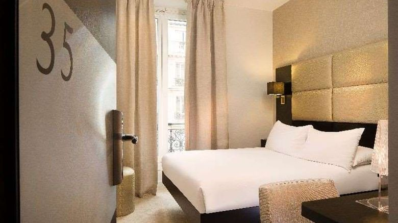 """Le Relais du Marais Room. Images powered by <a href=""""http://web.iceportal.com"""" target=""""_blank"""" rel=""""noopener"""">Ice Portal</a>."""
