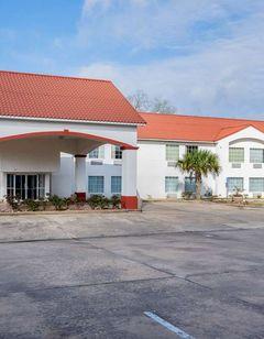 Motel 6 Crowley