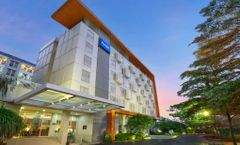 Kyriad Airport Hotel