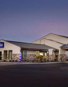 Baymont Inn & Suites Shawnee