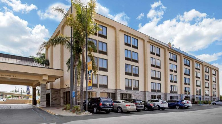 """Comfort Inn Anaheim  Resort Exterior. Images powered by <a href=""""http://web.iceportal.com"""" target=""""_blank"""" rel=""""noopener"""">Ice Portal</a>."""