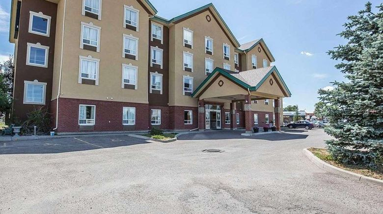 """Comfort Inn Lethbridge Exterior. Images powered by <a href=""""http://web.iceportal.com"""" target=""""_blank"""" rel=""""noopener"""">Ice Portal</a>."""