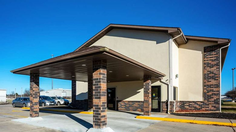 """Quality Inn Galesburg Exterior. Images powered by <a href=""""http://web.iceportal.com"""" target=""""_blank"""" rel=""""noopener"""">Ice Portal</a>."""