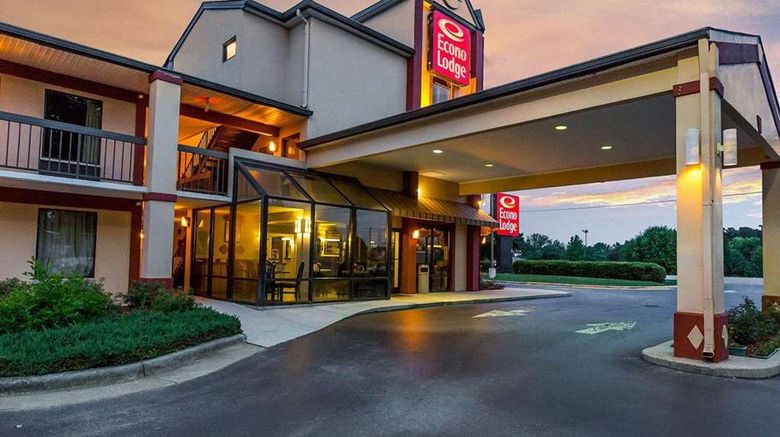 """Econo Lodge South Exterior. Images powered by <a href=""""http://web.iceportal.com"""" target=""""_blank"""" rel=""""noopener"""">Ice Portal</a>."""